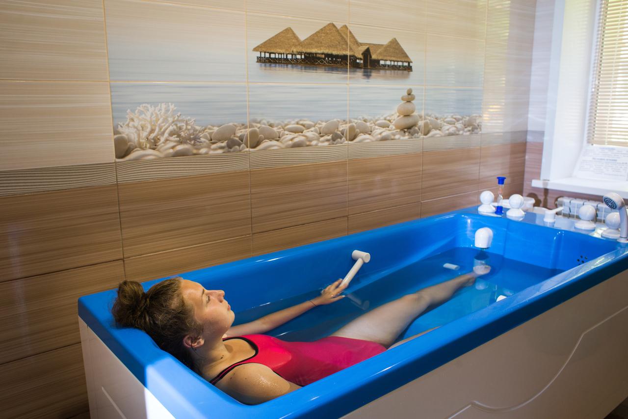 Какие ванны полезны для суставов артропил для лечения тазобедренного сустава
